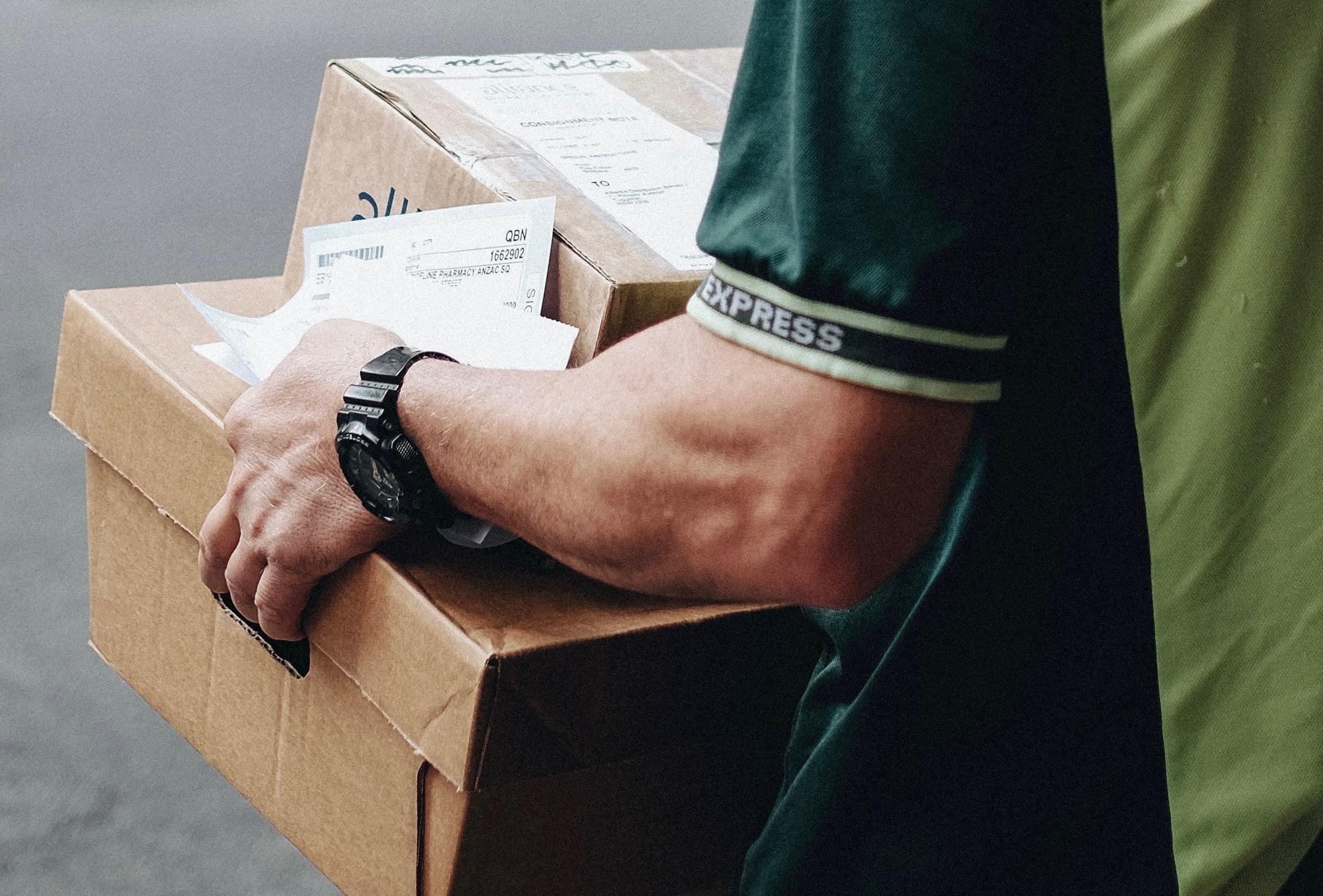 Man w:Box (1)